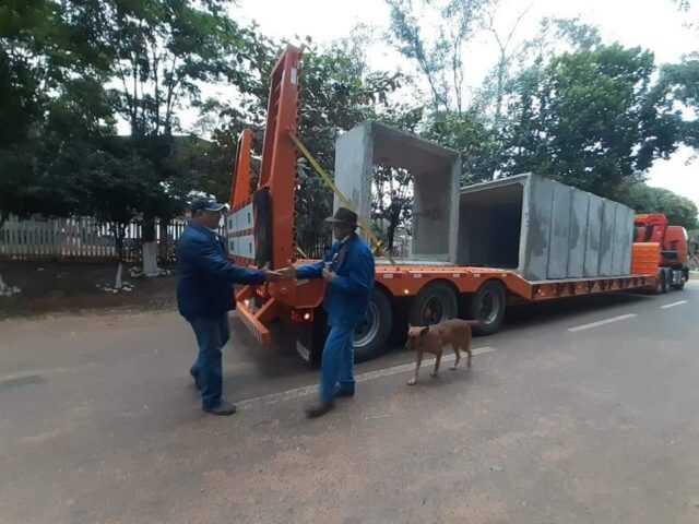 Municipio de Repatriación en trabajo coordinado con el MOPC realizan reparaciones de puentes