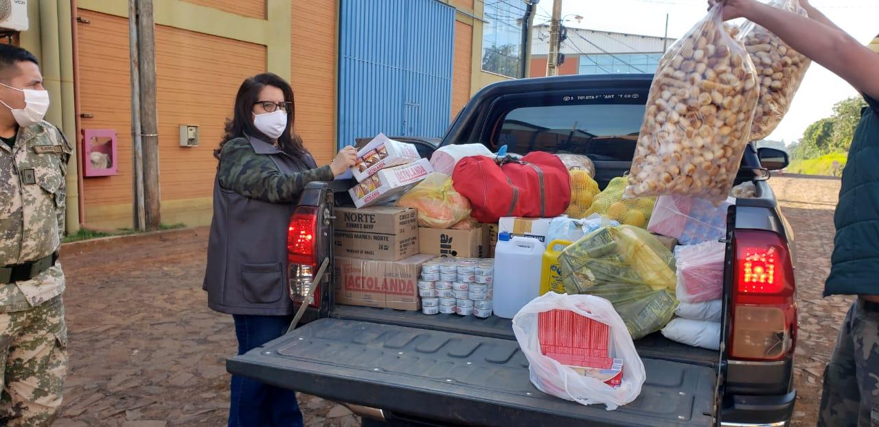 Intendenta de Repatriación entrega alimentos en albergues