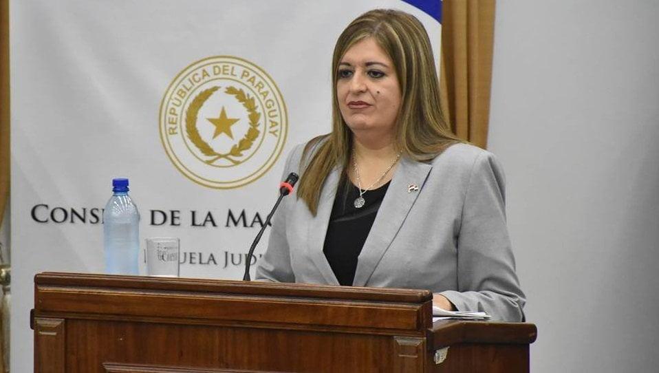 Diputados salvan a Sandra Quiñónez de juicio político