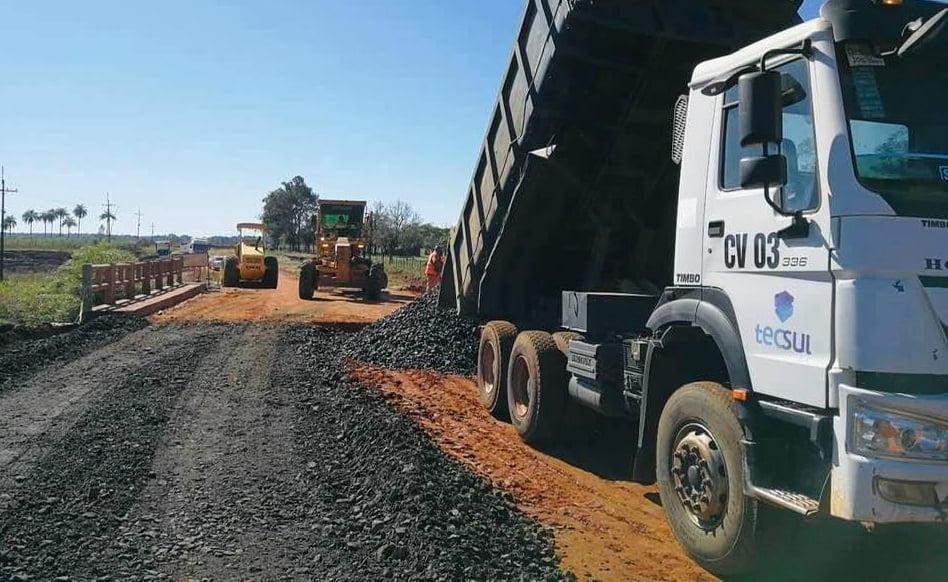 Caazapá: Construyen asfaltado en zona Yuty – 3 de Mayo