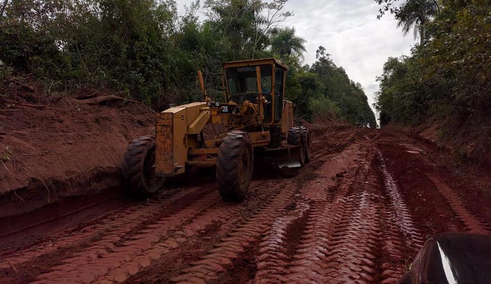 Reparan caminos en San Juan Nepomuceno