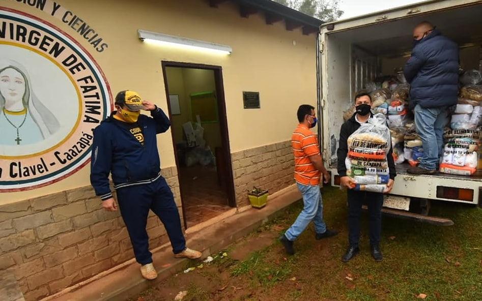 En Caazapá continúa la entrega de kits de alimentos