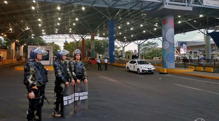 """Ministro admite que había personas que """"iban y venían"""" desde Brasil pese al cierre de fronteras"""