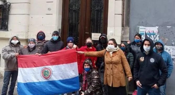 150 paraguayos varados en Buenos Aires claman por volver al país