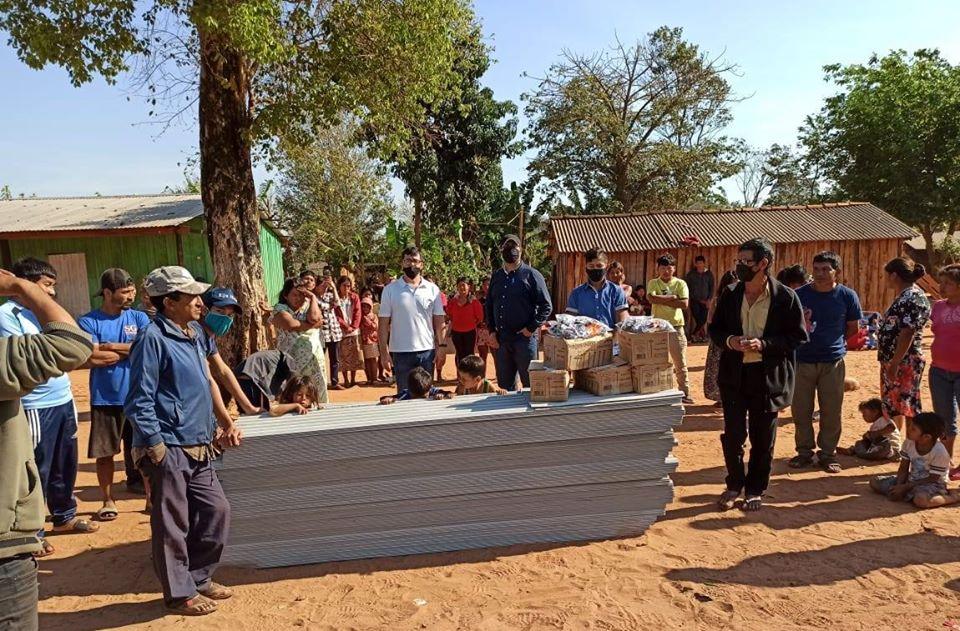 Gobernación entrega aportes a nativos de Caaguazú