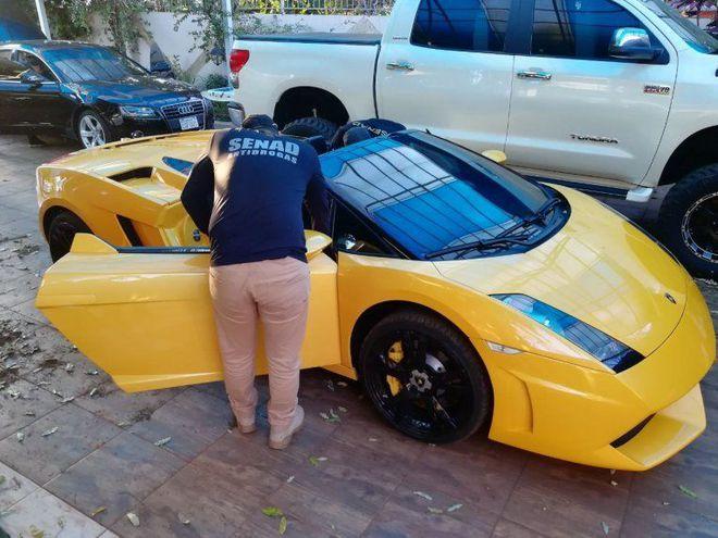 Autorizan la venta del Lamborghini de Cucho