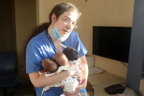 Enfermera heroína salvó a tres recién nacidos en la explosión de Beirut