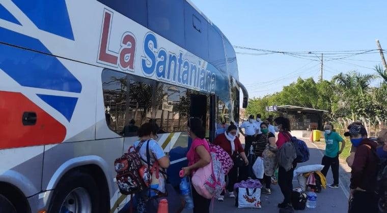 Retornan al país 68 paraguayos provenientes de Argentina