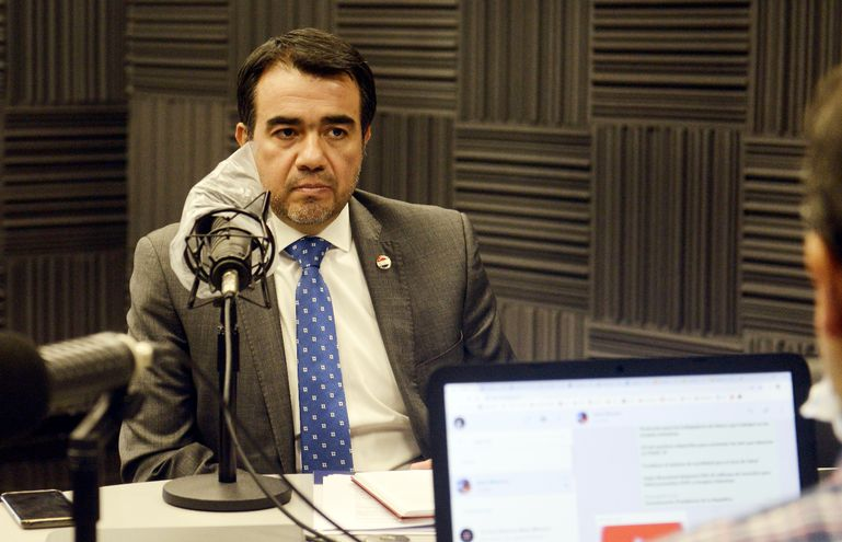 Óscar Llamosas es el nuevo ministro de Hacienda