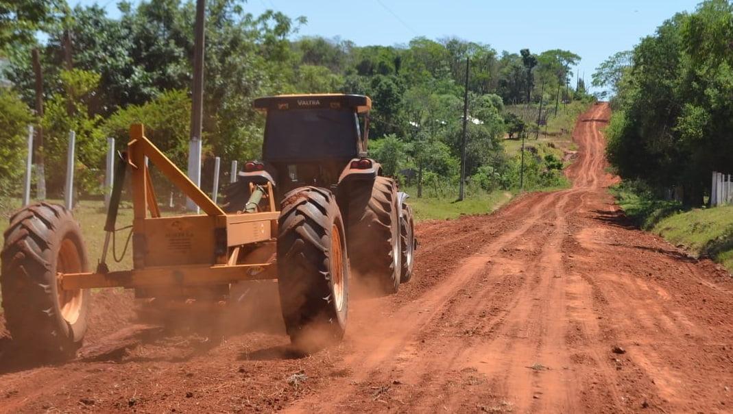 En Repatriación inician con reparación de caminos vecinales
