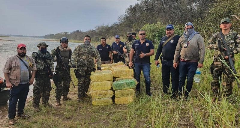Hallan carga de marihuana a orillas de Río Paraná