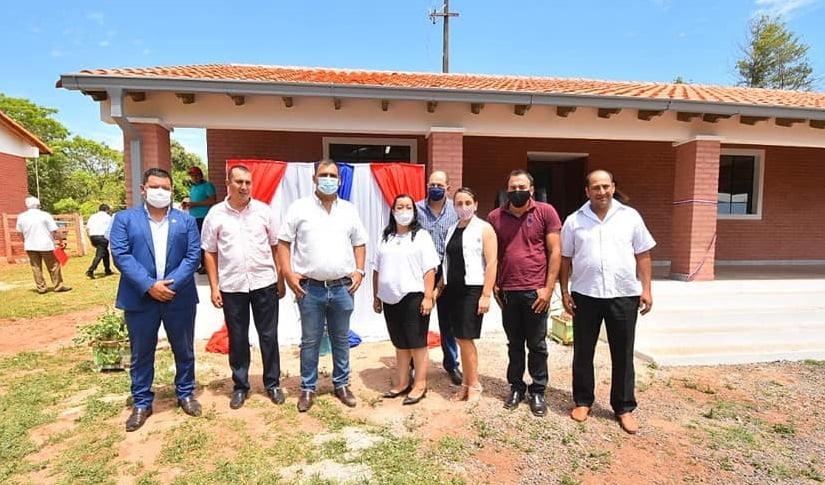 Caazapá: Inauguran aulas en el distrito 3 de Mayo