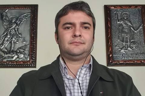 Marcos Benítez pide permiso a la junta para abocarse a su candidatura