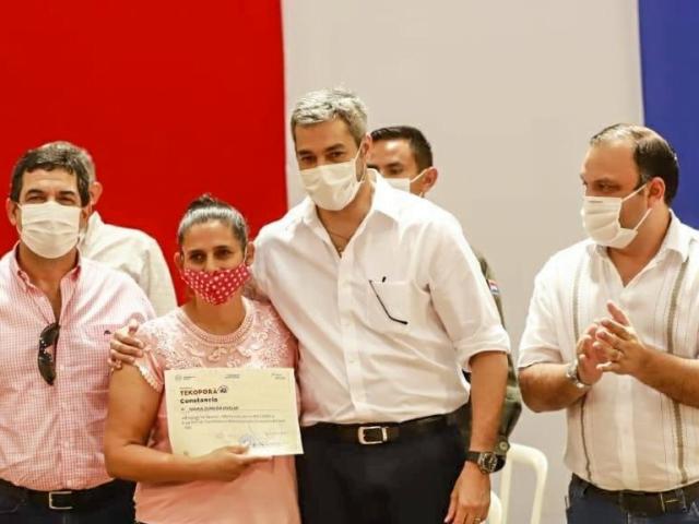 MDS entrega insumos para huertas a 200 familias de Alto Paraná