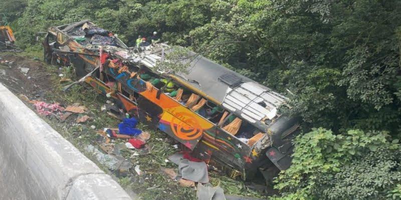 Al menos 19 muertos en un accidente de autobús en el estado brasileño de Paraná