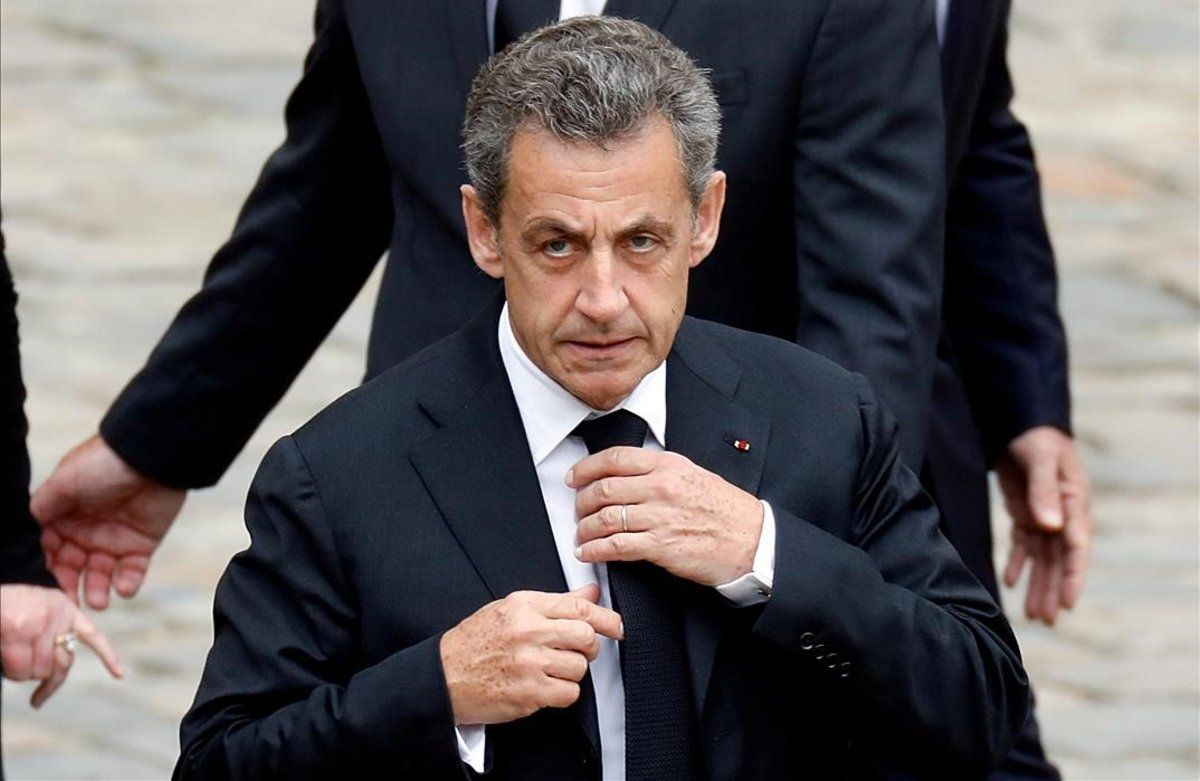 Expresidente francés fue condenado a tres años de cárcel por corrupción