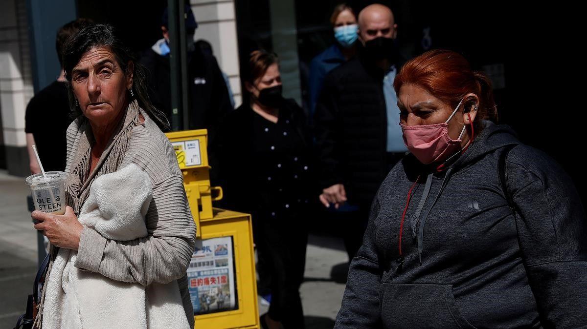 EEUU elimina el uso de mascarillas en la mayoría de los espacios para los vacunados
