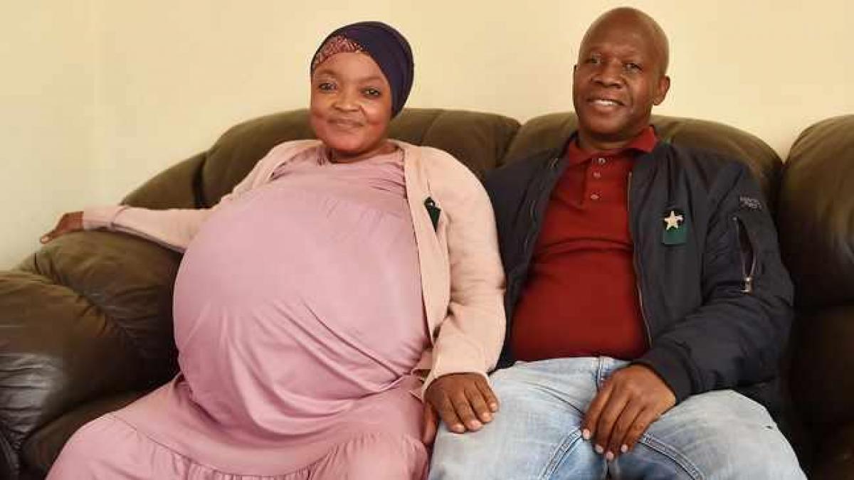 Una mujer sudafricana da a luz a diez bebés en un solo parto