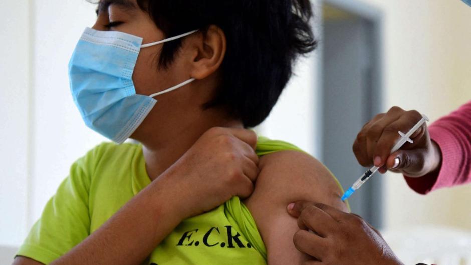 Vacuna de covid-19 para niños de 5 a 11 años es segura, dice Pfizer