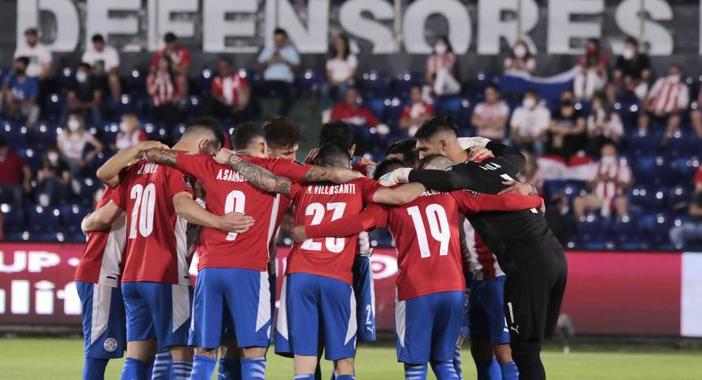 Paraguay, con la necesidad de ganar, enfrenta a la campeona de América