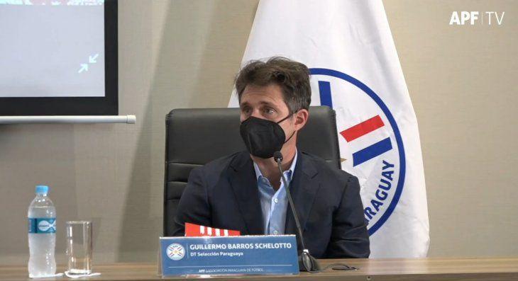 Guillermo Barros Schelotto asumió en Paraguay